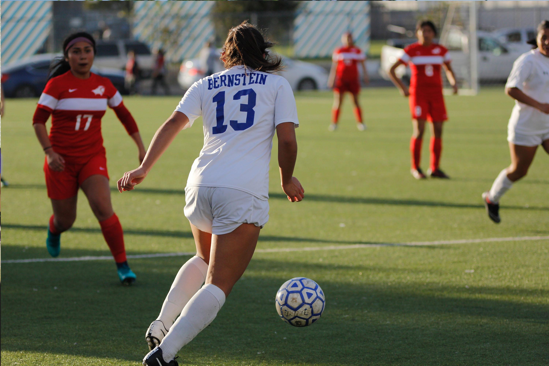 Girls Soccer vs Hollywood
