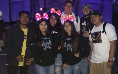 Gradnite at Disneyland